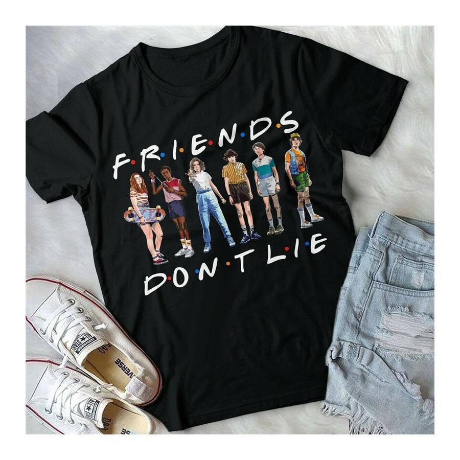 Stranger Things Friends Don't Lie Pose  Büyük Beden T-shirt